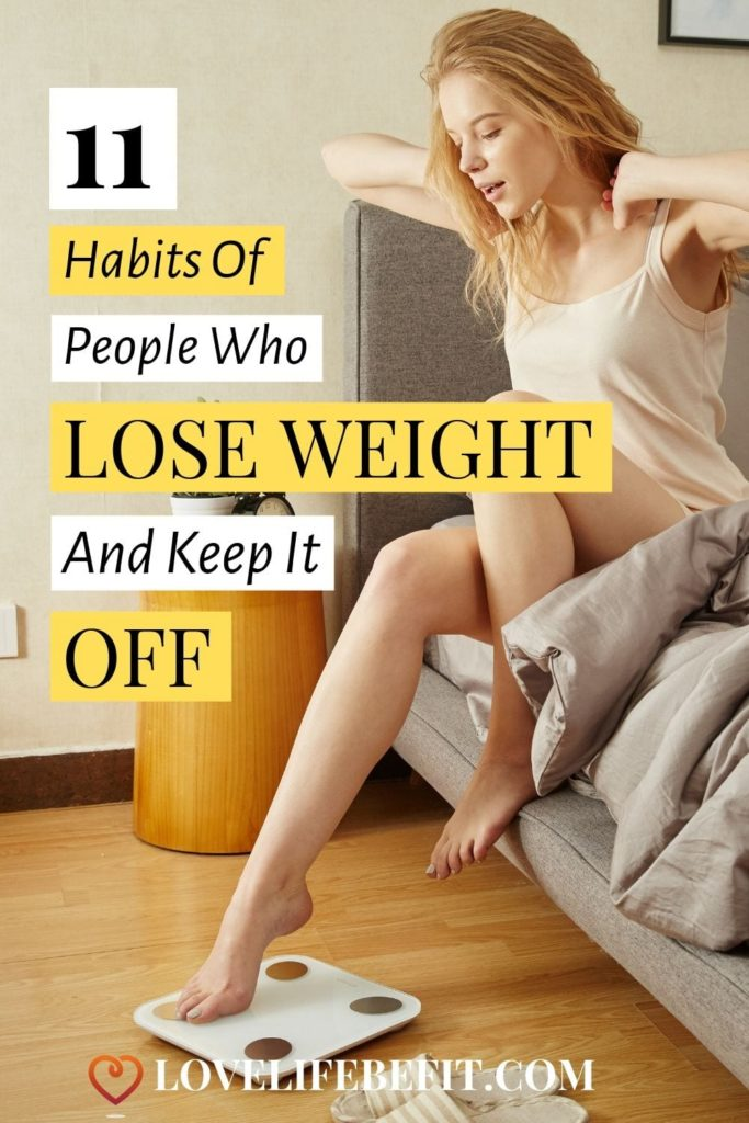 Losing weight is often the easy part: it's keeping it off that's tricky. Read the habits of people who lose weight and keep it off. #weightloss #healthyeating